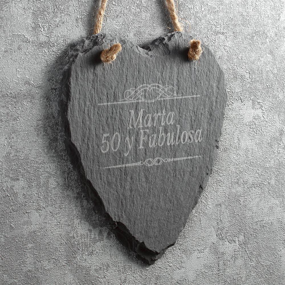 Adorno de pared con forma de corazón de pizarra grabado